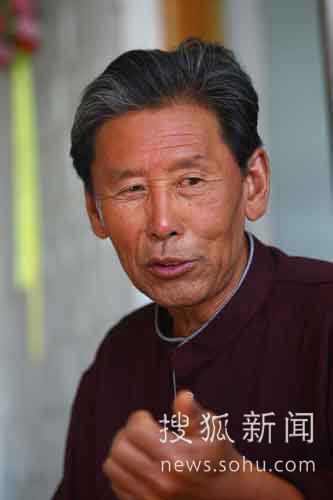 刘伯明的父亲刘志生接受记者采访