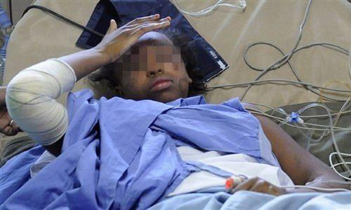 获救女孩在医院接受治疗